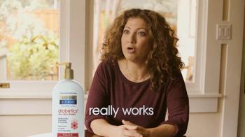 Gold Bond Diabetics TV Spot, 'Hydration' - Thumbnail 10