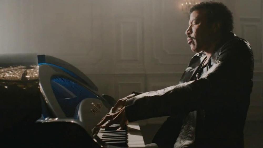 James Bond Grand piano online gratis