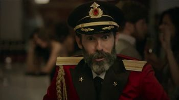 Hotels.com TV Spot, 'Obvious Eye Contact'