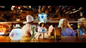 GEICO TV Spot, 'Line Dancing' Song by Wrinkle Neck Mules - Thumbnail 4