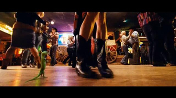 GEICO TV Spot, 'Line Dancing' Song by Wrinkle Neck Mules - Thumbnail 8