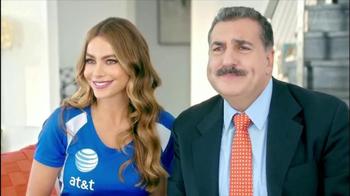 AT&T TV Spot, 'Atractivo' Con Sofía Vergara y Fernando Fiore [Spanish] - Thumbnail 5
