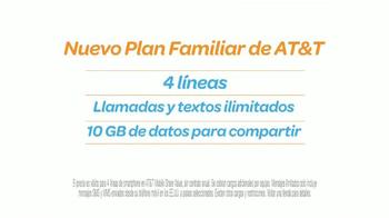 AT&T TV Spot, 'Atractivo' Con Sofía Vergara y Fernando Fiore [Spanish] - Thumbnail 6