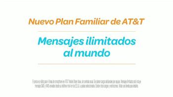 AT&T TV Spot, 'Atractivo' Con Sofía Vergara y Fernando Fiore [Spanish] - Thumbnail 7