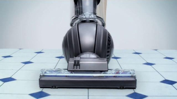 Dyson TV Spot, 'All Floors' - Thumbnail 7
