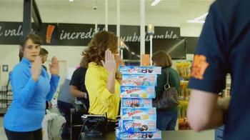 Big Lots TV Spot, 'The Thrift is Back' - Thumbnail 9