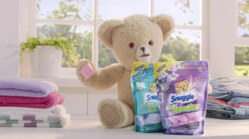 Snuggle Scent Booster TV Spot, 'Freshness Factory' - Thumbnail 10
