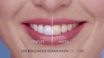 Crest 3D White Whitestrips Luxe TV Spot, 'Lapiz Blanqueador' [Spanish] - Thumbnail 9