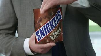 Snickers Bites TV Spot, 'Leisure Suit' - Thumbnail 2