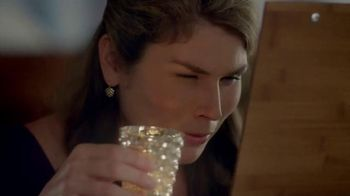 Foster Grant Readers TV Spot, 'Menu' Featuring Brooke Shields
