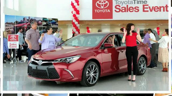 2015 Toyota RAV4 TV Spot, 'Toyota Time Sales Event: Wave' - Thumbnail 6