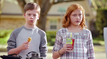 Lunchables Kabobbles TV Spot, 'Yard Sale' - Thumbnail 6