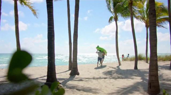 Crocs, Inc. TV Spot, 'Beach Shoes' - Thumbnail 4