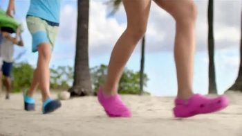 Crocs, Inc. TV Spot, 'Beach Shoes'