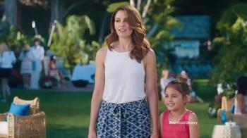 Old Navy TV Spot, 'La Propuesta' Con Judy Reyes [Spanish] - Thumbnail 10