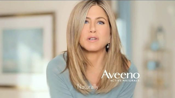 Aveeno Sheer Hydration TV Spot, 'Feather Light' Featuring Jennifer Aniston - Thumbnail 8