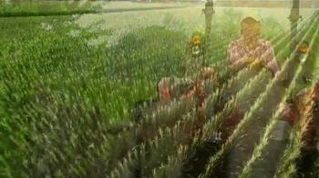 Mahindra TV Spot, 'Women in Agriculture' - Thumbnail 7