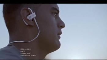 Beats Audio PowerBeats2 Wireless TV Spot, 'Ohana' Featuring Marcus Mariota - Thumbnail 9