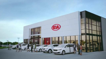 Kia Summer's On Us Sales Event TV Spot, 'Summer Savings' - Thumbnail 6