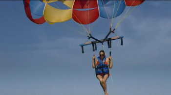 Travelocity Memorial Day Sale TV Spot, 'Epic-er Vacations' - Thumbnail 2