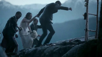 2015 Land Rover Discovery Sport TV Spot, 'Wedding' - Thumbnail 6