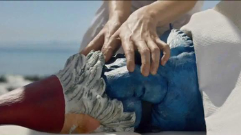 Travelocity Memorial Day Sale TV Spot, '40 Percent Swedisher' - Thumbnail 4