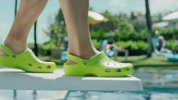 Crocs, Inc. TV Spot, 'Pool Shoes' - Thumbnail 2