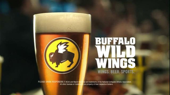 Buffalo Wild Wings TV Spot, 'Hardwood' Featuring Stephen Rannazzisi - Thumbnail 8