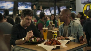 Buffalo Wild Wings TV Spot, 'Hardwood' Featuring Stephen Rannazzisi - Thumbnail 7
