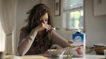 Silk Vanilla Almond Milk TV Spot, 'Popular' - Thumbnail 6