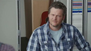 Gildan TV Spot, 'Epic Underwear Commercial' Featuring Blake Shelton - Thumbnail 5