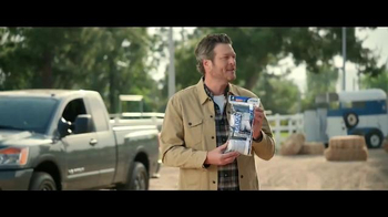 Gildan TV Spot, 'Epic Underwear Commercial' Featuring Blake Shelton - Thumbnail 9