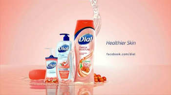 Dial Omega Moisture Body Wash TV Spot, 'Sea Berries' - Thumbnail 7