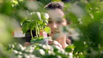 The Home Depot TV Spot, 'Primavera a lo Grande' [Spanish] - Thumbnail 3