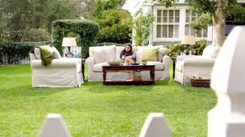 TruGreen TV Spot, 'The Yardleys: Flirt' - Thumbnail 10