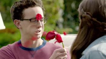TruGreen TV Spot, 'The Yardleys: Flirt' - Thumbnail 5