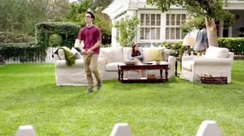 TruGreen TV Spot, 'The Yardleys: Flirt' - Thumbnail 8