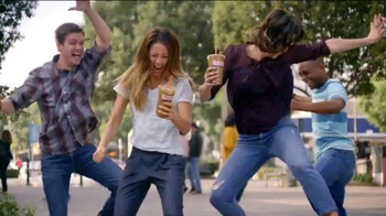Dunkin' Donuts Ice Cream Flavored Coffees & Lattes TV Spot, 'We All Scream' - Thumbnail 3