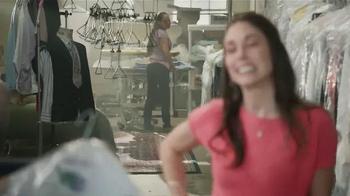 Gildan TV Spot, 'X-Large Pair' Featuring Blake Shelton - Thumbnail 6