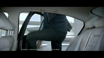 2015 Infiniti Q50 TV Spot, 'Driver's Seat' - Thumbnail 4