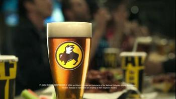 Buffalo Wild Wings TV Spot, 'Bandwagon' Featuring Stephen Rannazzisi - Thumbnail 7