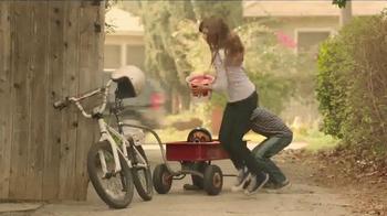 KFC Red Velvet Cake TV Spot, 'Bike' - Thumbnail 7