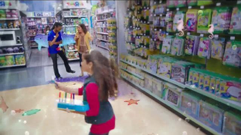 Toys R Us TV Spot, 'Dive Deep Into a World of Play' - Thumbnail 5