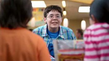 Walmart TV Spot, 'Shopping with Kids: Box Tops' [Spanish] - Thumbnail 4