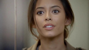 Olay Fresh Effects TV Spot, 'Late for Work' - Thumbnail 9