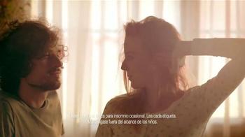 Vicks ZzzQuil TV Spot, 'Sólo Para Dormir' [Spanish] - Thumbnail 8