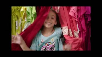 Burlington Coat Factory TV Spot, 'Familia Bayona' [Spanish] - Thumbnail 7