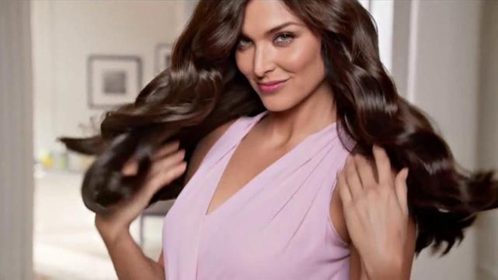 Garnier Nutrisse Nourishing Color Creme Tv Commercial Con Blanca