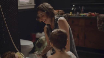 Delta Faucet TV Spot, 'HappiMess' Song by RAC - Thumbnail 8