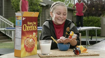 Honey Nut Cheerios TV Spot, 'Trampoline' - Thumbnail 9